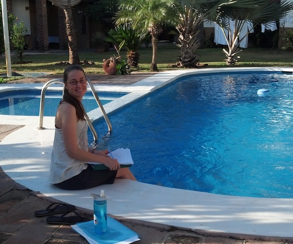 online-yoga-teacher-training-by-the-pool